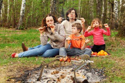 wakacje z rodzina w wynajetym samochodzie z wypozyczalni