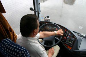 wynajem busa z kierowca w poznaniu