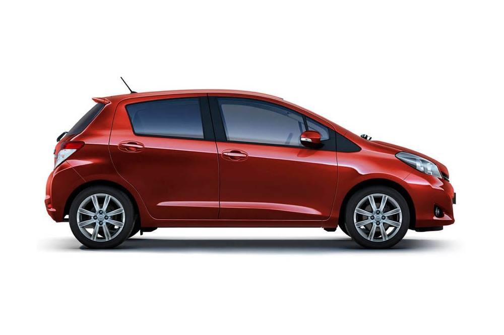 toyota-yaris-wypozyczalnia-samochodow-dla-firm-auto